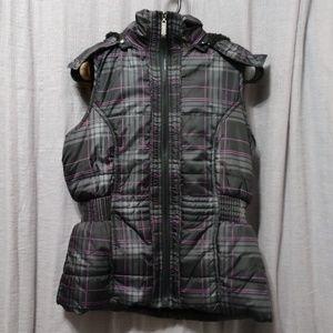 YMI Medium Plaid Sleeveless Fur Lining Vest Hoodie